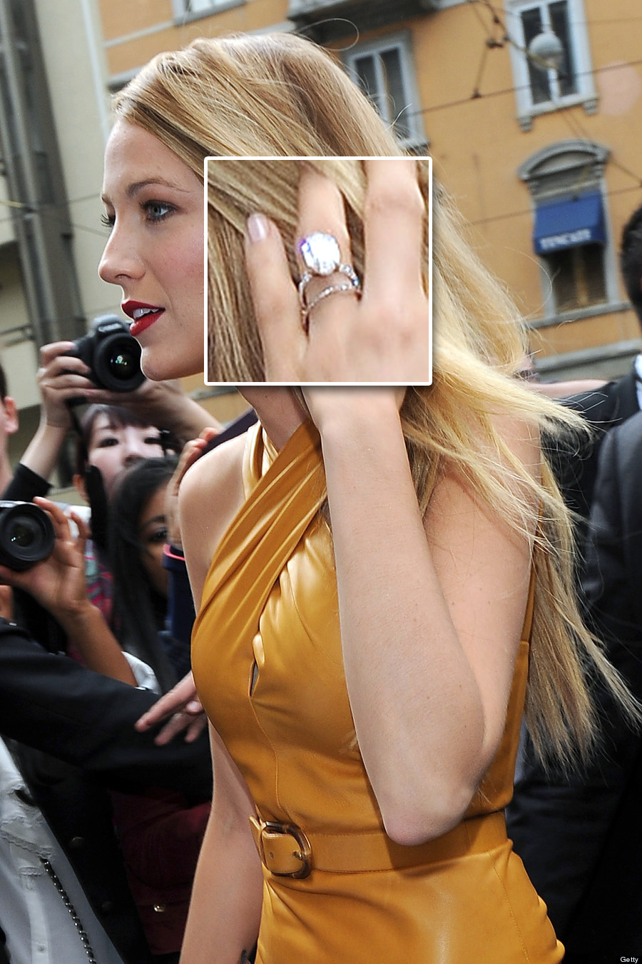 http://jewelryinfoplace.com/blog/omg-mariahs-35-carat-engagement-ring-kim-and-blakes-rings/