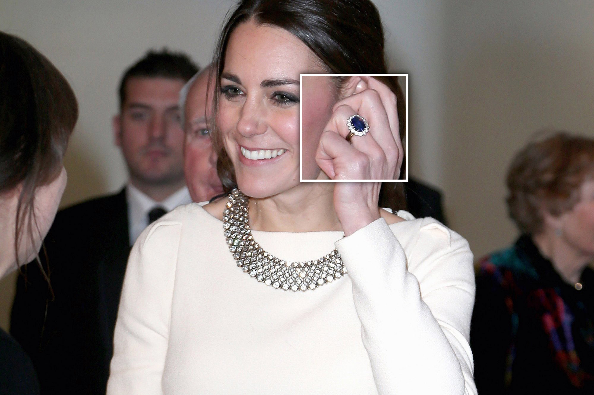 http://www.thedailybeast.com/articles/2014/05/09/kate-middleton-s-engagement-ring-appraisal-gwyneth-palrow-tries-ending-the-mommy-wars.html